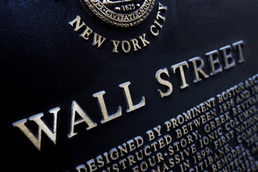 US stock indexes end slightly lower
