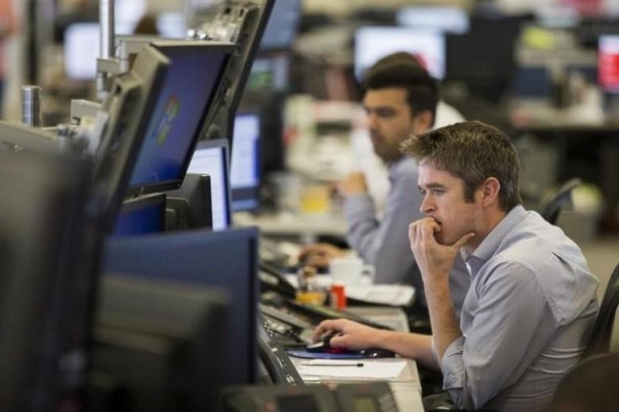 Asian shares slip as risk appetite ebbs, dollar sulks