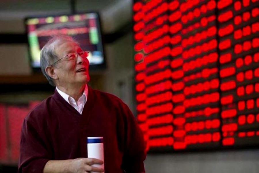 S Korean stocks weaker; won drops