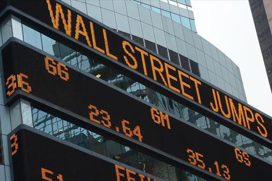 US stocks climb as energy shares jump