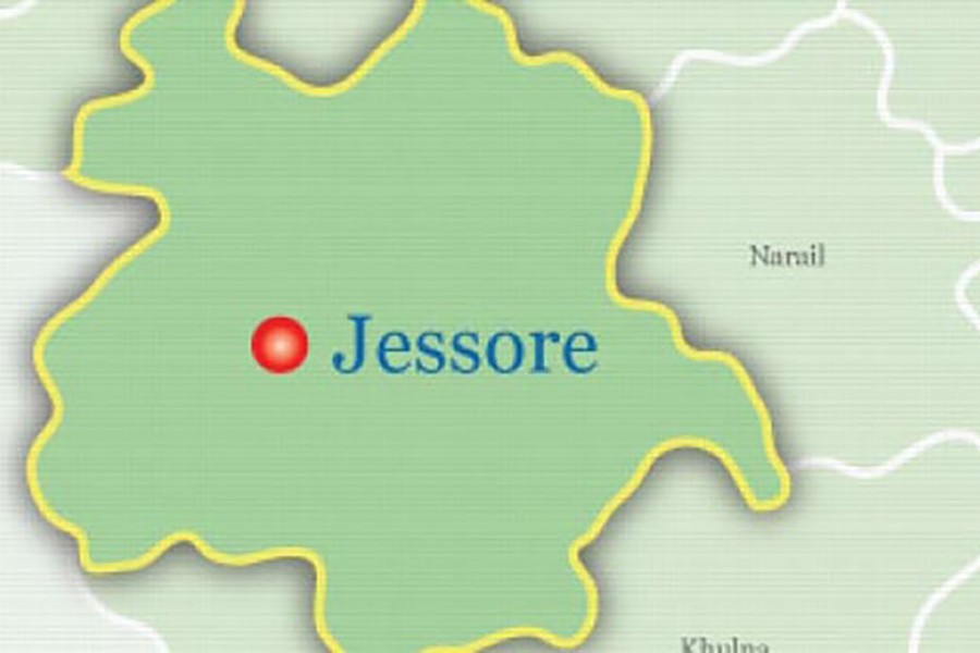 Police arrest Jessore man with 10 foreign birds