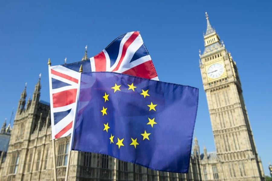 EU to offer UK hope of post-Brexit talks