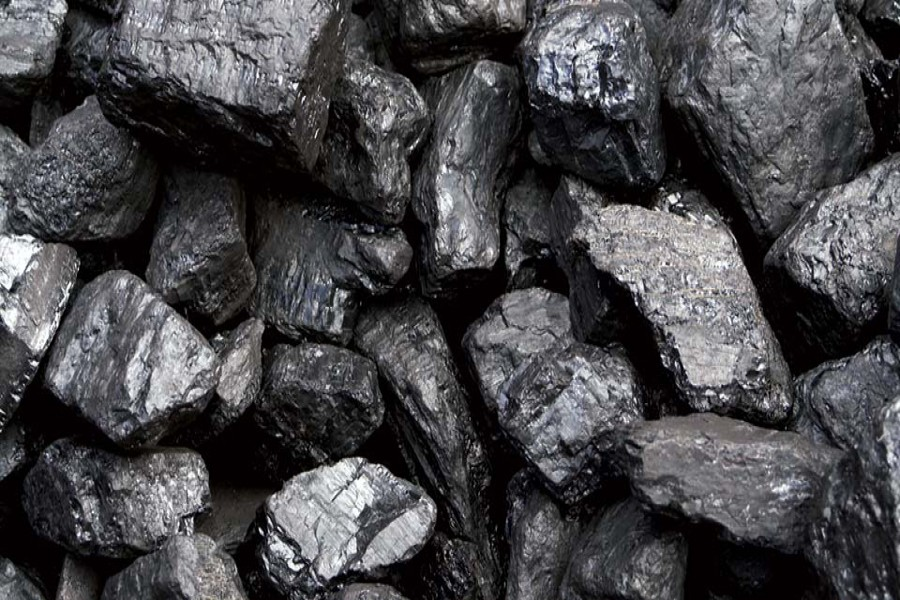 Mongolia coal exports cool as China  border issue creates bottleneck