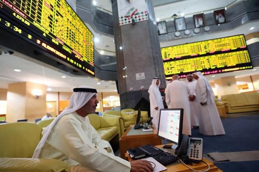 Saudi stocks largely flat