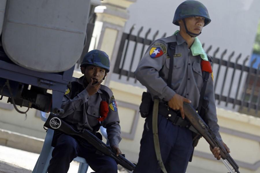 Myanmar police arrests 'ultra' anti-Rohinya Buddhist monk
