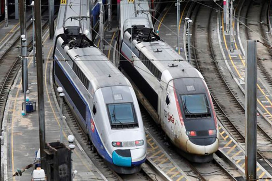 French rail workers call strike to defy Macron's labour reforms