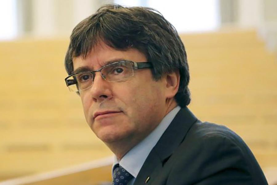 Freed ex-Catalan leader calls for immediate dialogue