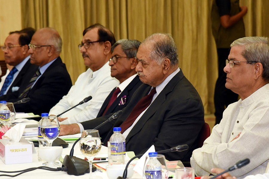 Earlier on Thursday last, the Jatiya Oikyafront leaders had marathon discussions with the Awami League-led 14-party alliance at Ganobhaban over the next general election — BSS/File