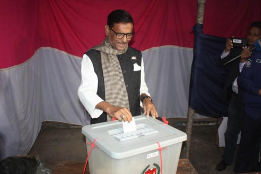 Obaidul Quader casts vote