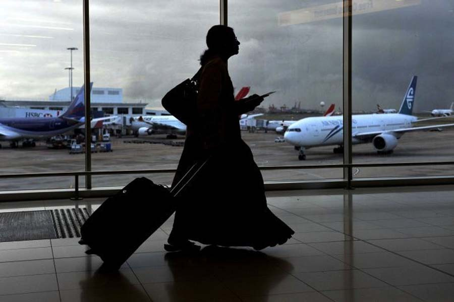 S Arabia lifts travel restriction on its women