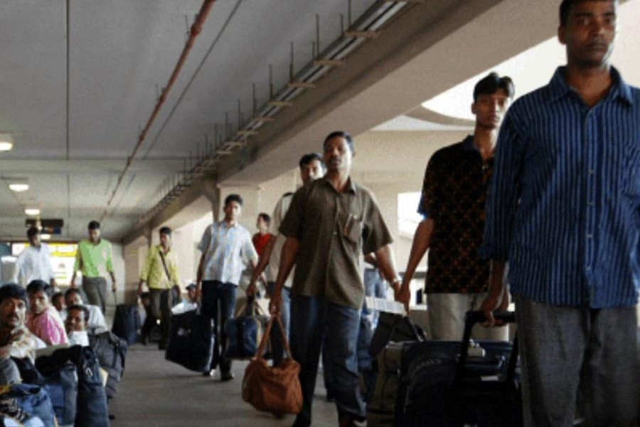 Some 160 Bangladeshi male workers were sent back home on Tuesday last from Saudi Arabia - UNB file photo