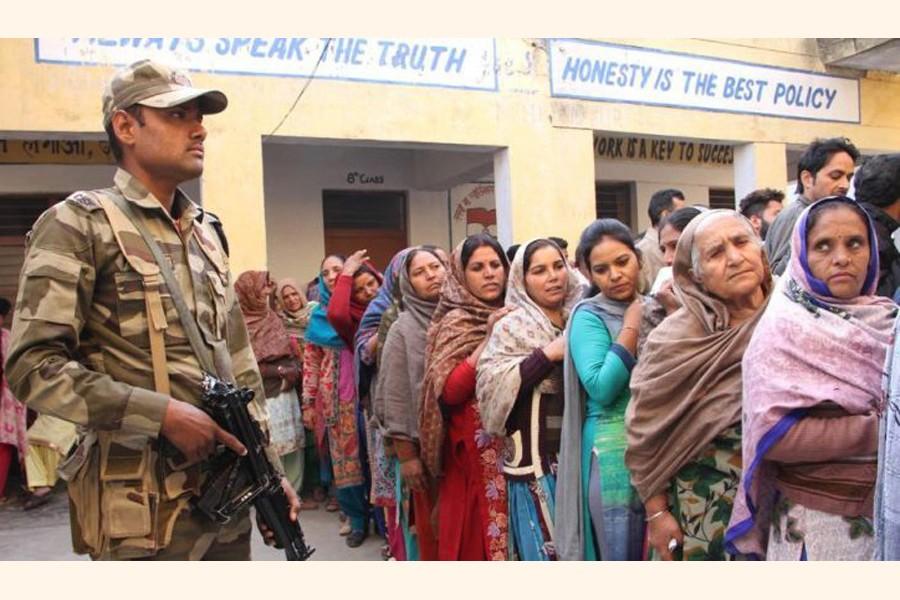 India holds Kashmir polls despite lockdown, boycott