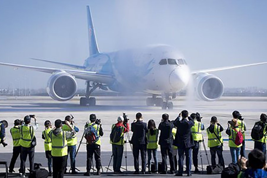 A Boeing 787 plane of China Southern Airlines landing at Tianhe International Airport in Wuhan, capital of central China's Hubei Province last year. -Xinhua Photo