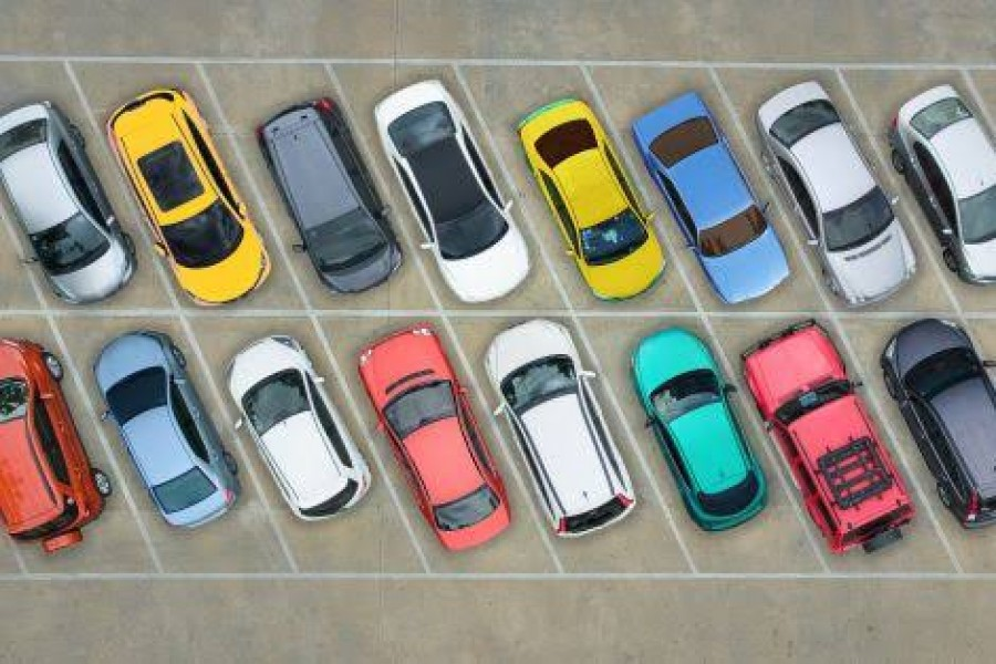 Vehicle parking in the capital