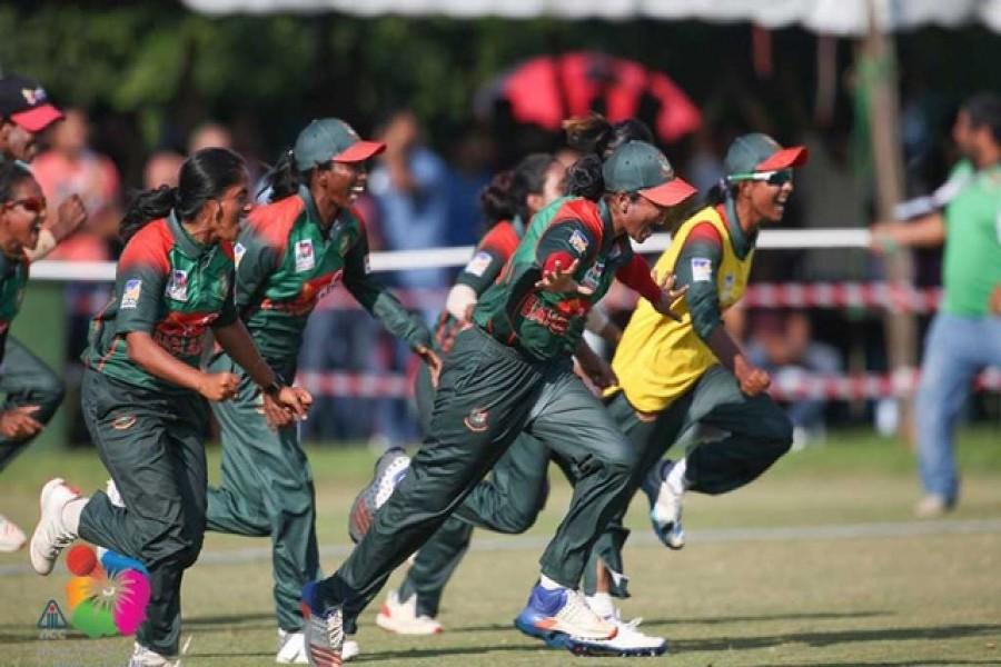 BD women's cricket team claim gold in SA games