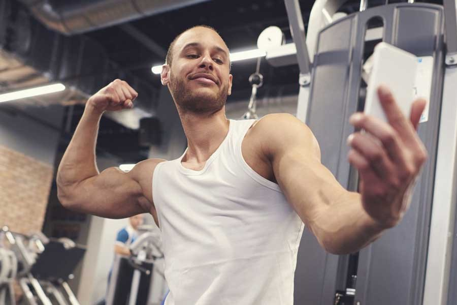 Using the social media for personal fitness