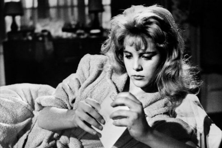 Sue Lyon, actress who at 14 played 'Lolita', dies