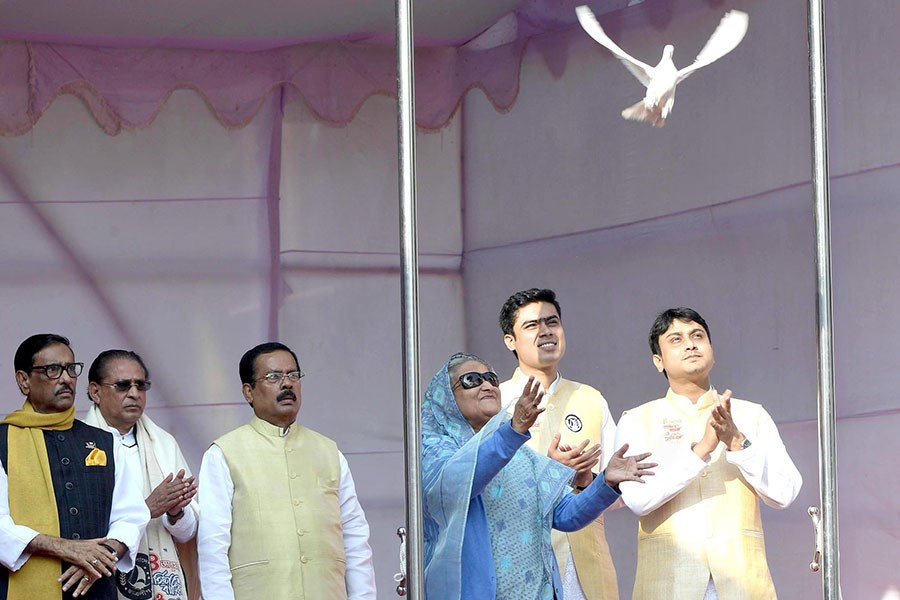 Prime Minister Sheikh Hasina inaugurating the grand reunion of incumbent and former leaders of Chhatra League marking its 72nd founding anniversary at the historic Suhrawardy Udyan in Dhaka on Saturday afternoon. -PID Photo