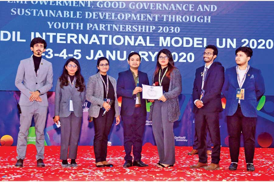 Participants receiving awards during the closing ceremony of DaffodilIMUN-2020