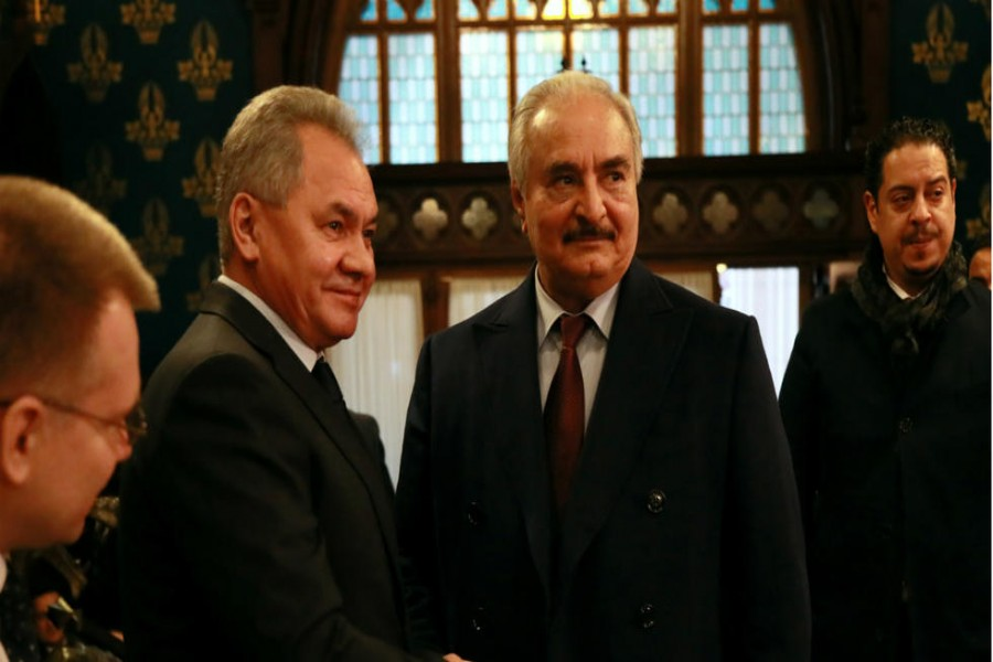 Commander of the Libyan National Army (LNA) Khalifa Haftar shakes hands with Russian Defence Minister Sergei Shoigu before talks in Moscow, Russia January 13, 2020. © Ministry of Foreign Affairs of the Russian Federation/Handout via REUTERS