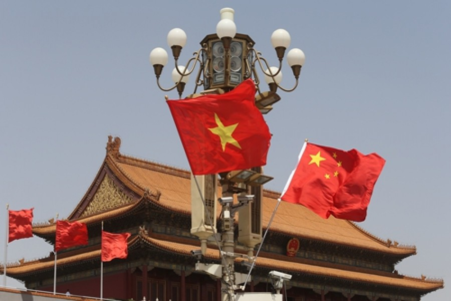 Chinese, Vietnamese leaders call for closer partnership