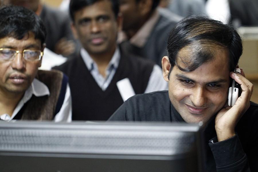 Dhaka stocks notch biggest gain since 2013