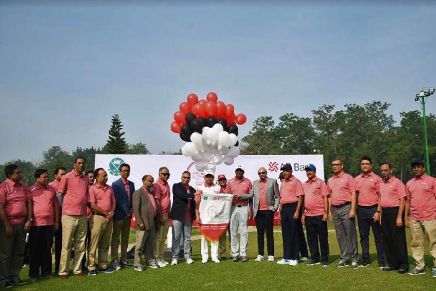 AB Bank holds golf tournament