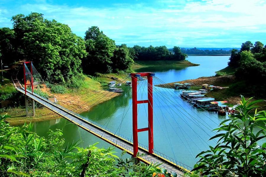 Govt mulls formulating master plan to boost tourism