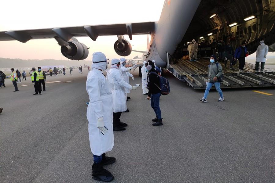 Virus outbreak: 23 Bangladeshis flown to Delhi from Wuhan