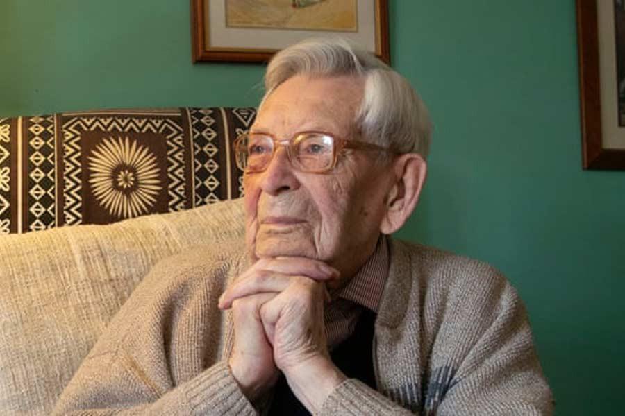 World's oldest man Bob Weighton dies, aged 112