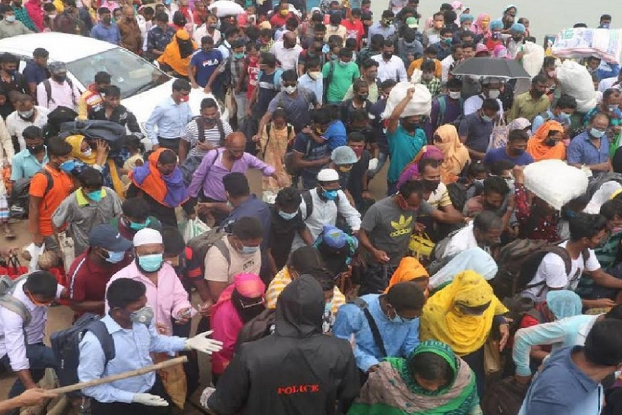 People flocking back to Dhaka after Eid exodus