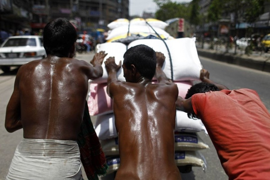 Hot weather likely to persist