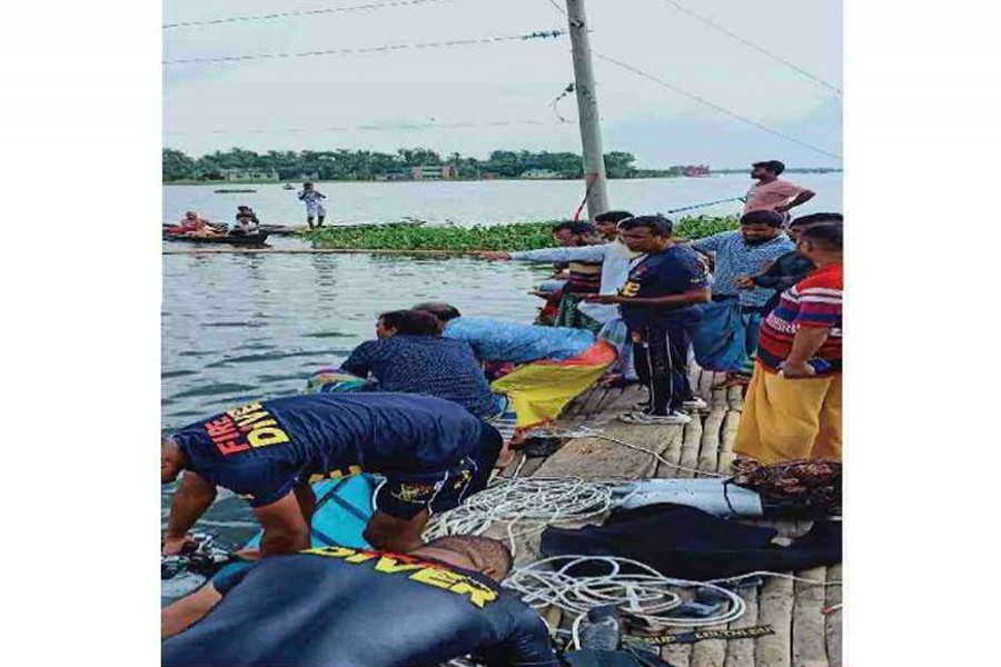 Fire service finds bodies of two missing youths in Savar Beel