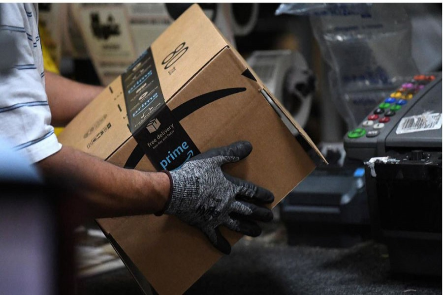 Amazon to recruit 100,000 more workers