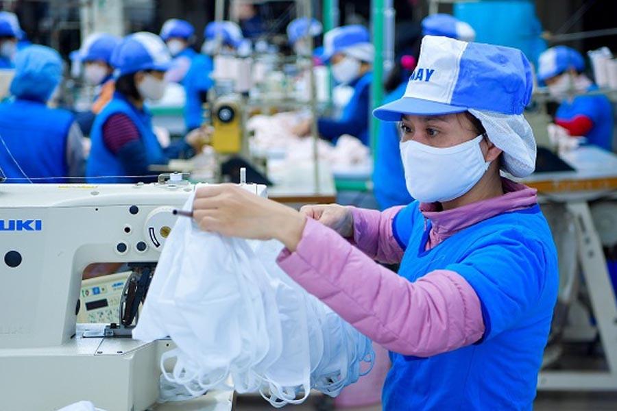 Vietnam exports 850 million masks in eight months