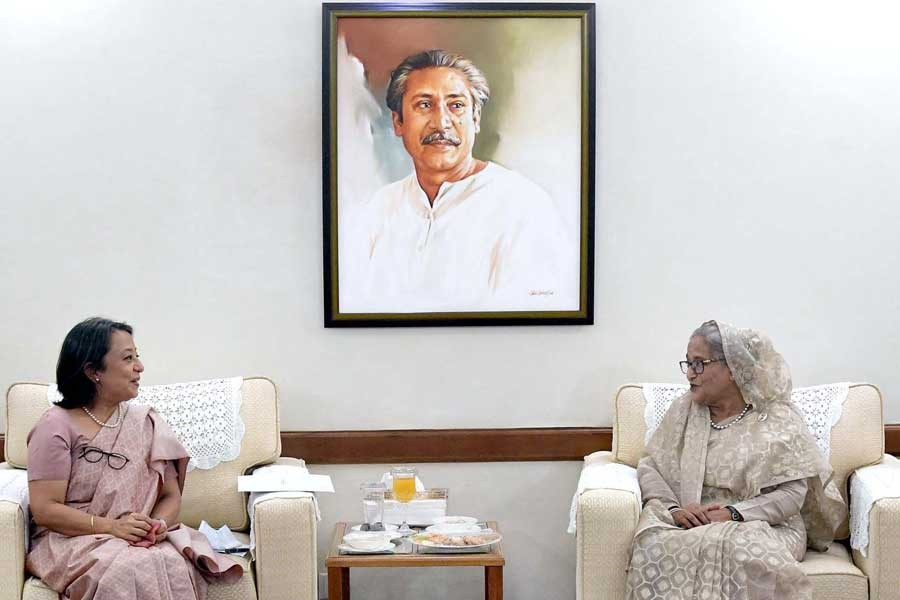 Outgoing Indian High Commissioner to Bangladesh Riva Ganguly Das paying farewell call on Prime Minister Sheikh Hasina at Ganabhaban on Sunday morning –PID Photo